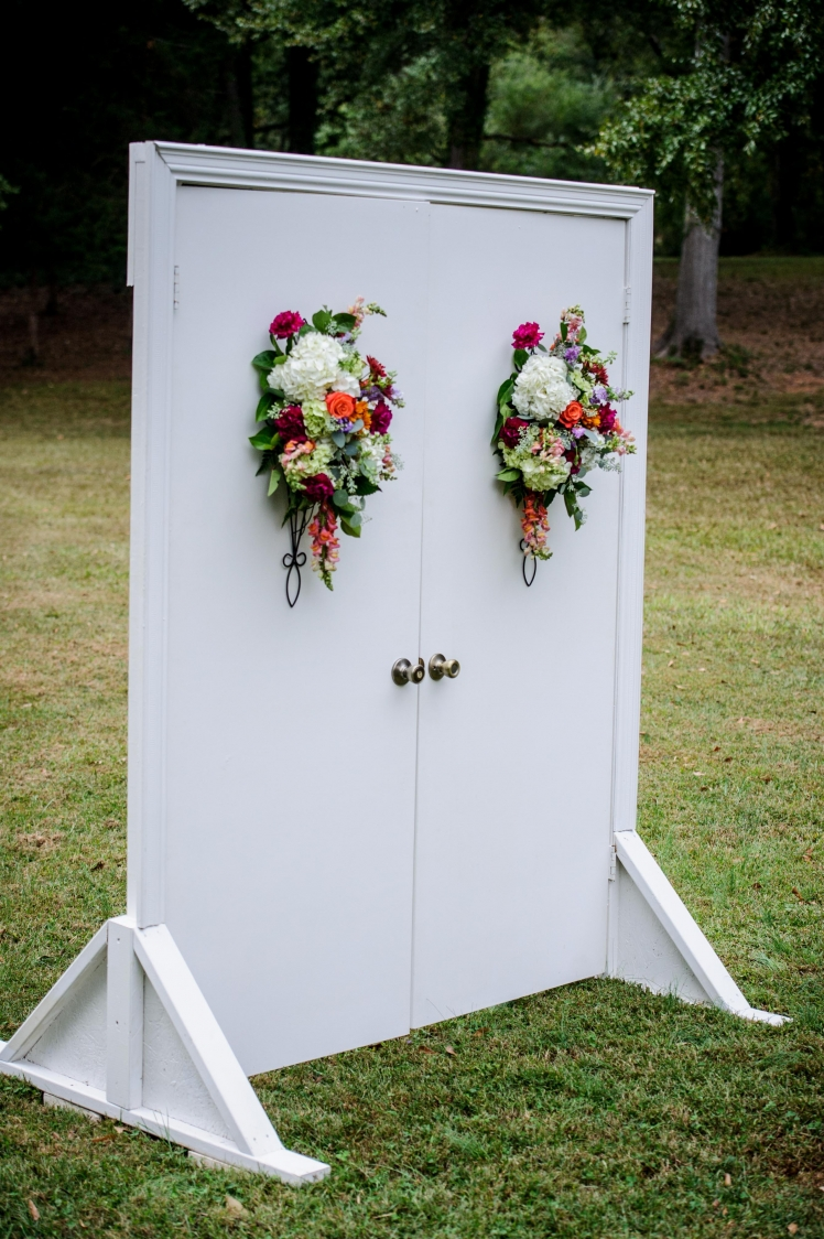 oct meadow ceremony with doors